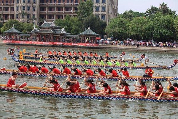 день драконьих лодок